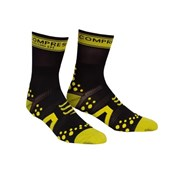 Compressport V2 Cycle Socks - Black/Yellow